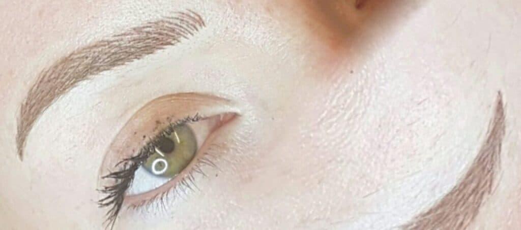 Becoming a permanent makeup artist